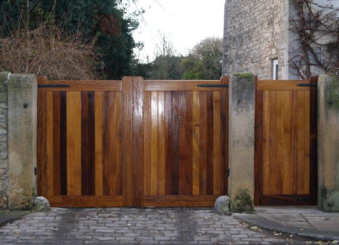 Building Large Wooden Gates